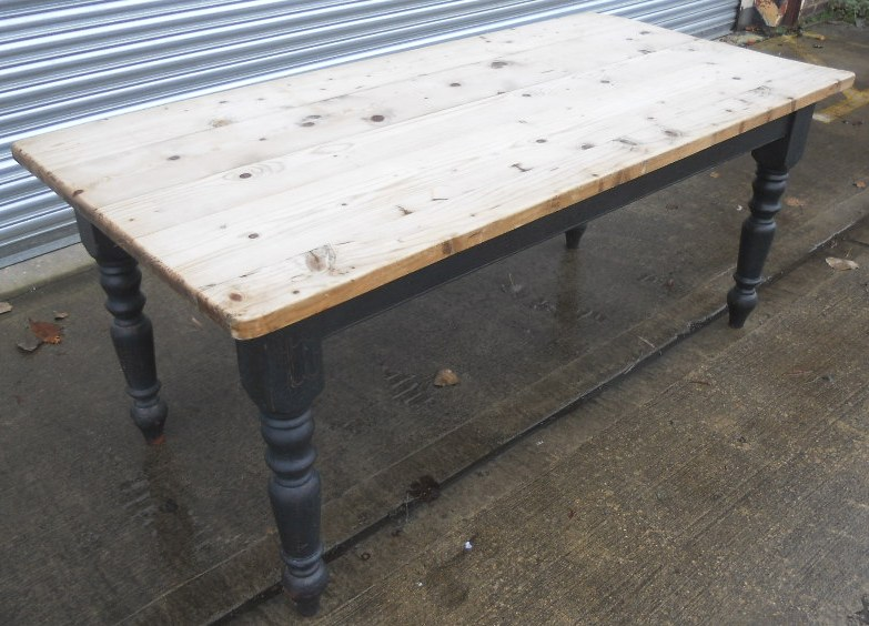 Large Pine Kitchen Dining Table with Painted Base : large pine kitchen dining table with painted base 4 1265 p from www.harrisonantiquefurniture.co.uk size 783 x 564 jpeg 161kB